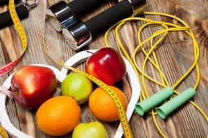 بهترین راهکار مبارزه با کلسترول؛ ترک سیگار تا کاهش وزن
