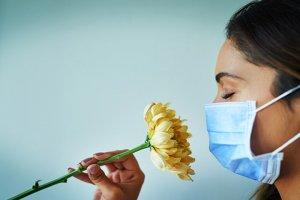 بهترین راه برای برگرداندن حس بویایی بعد از کرونا